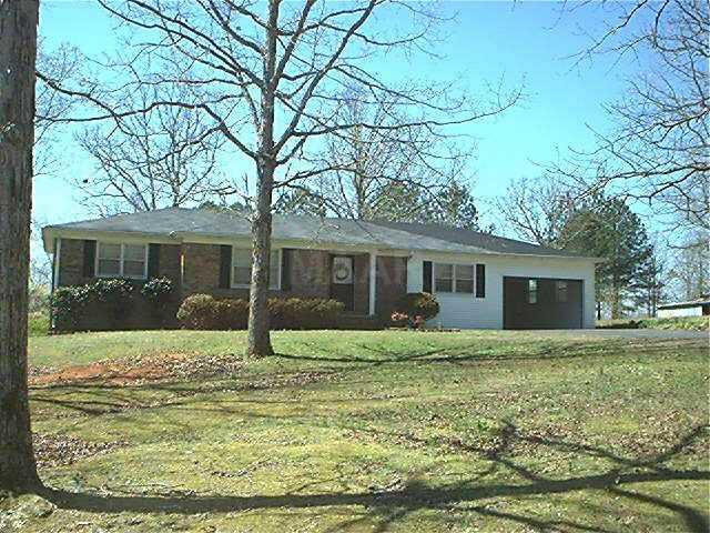 121 Forrest Hill Rd, Selmer, TN 38375 (#10023858) :: The Wallace Team - RE/MAX On Point