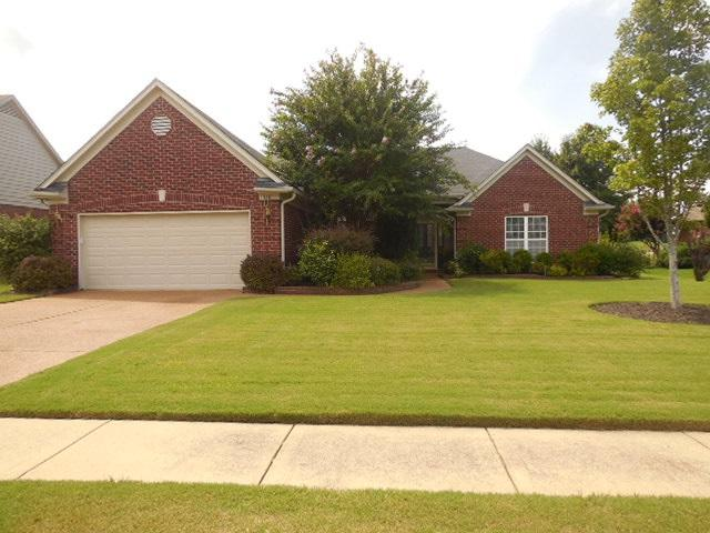 160 Fairoaks Dr, Oakland, TN 38060 (#10032977) :: The Wallace Group - RE/MAX On Point