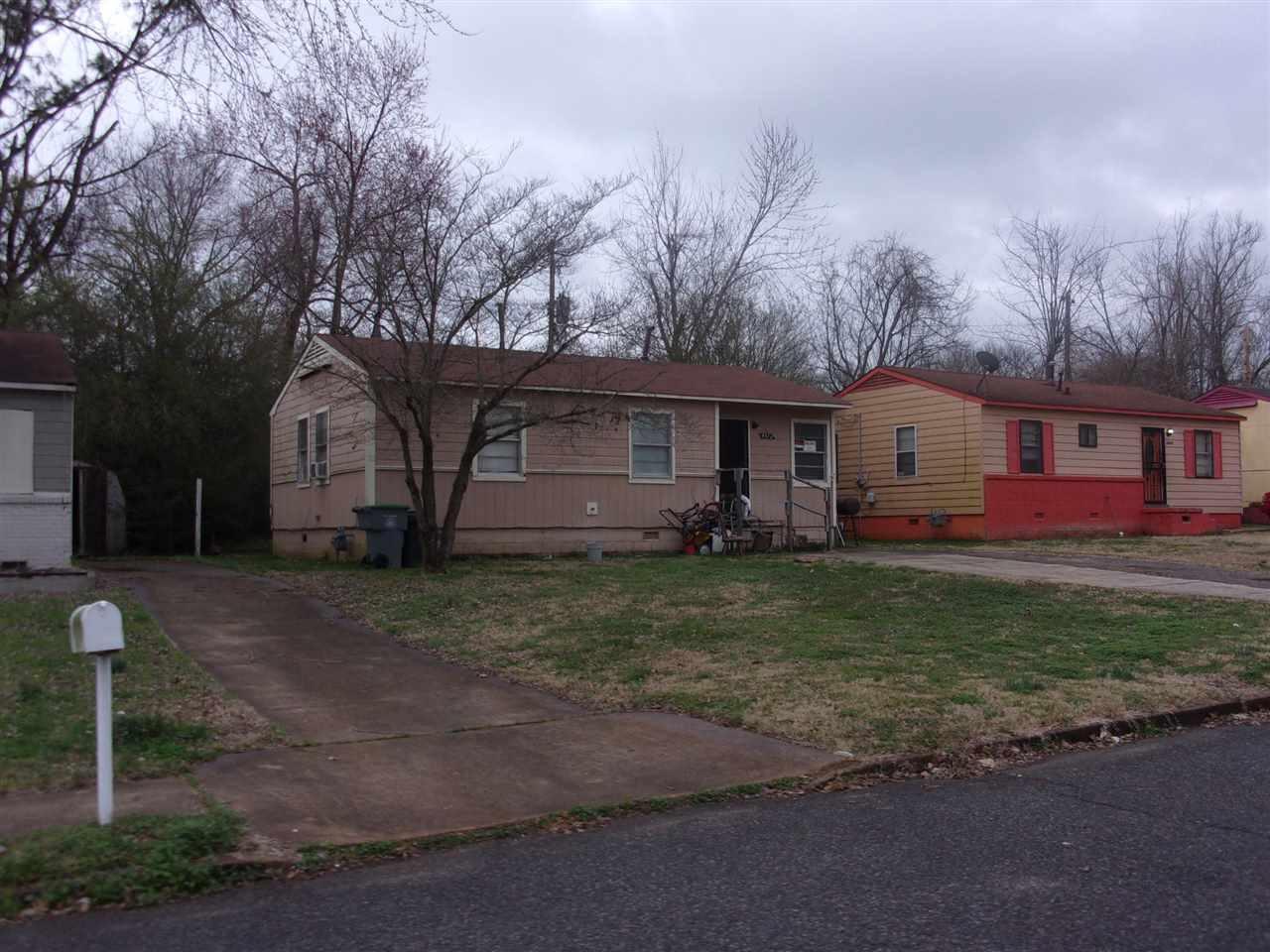 4412 Beacon Hill Ave - Photo 1