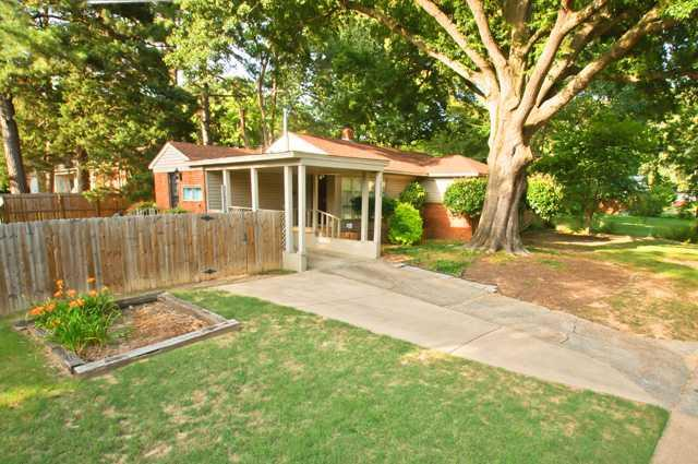 5108 Kaye Rd, Memphis, TN 38117 (#10048607) :: All Stars Realty