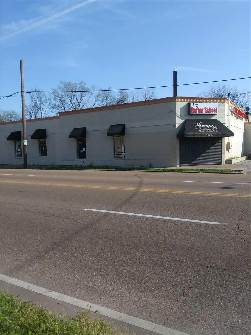1309 Jackson Ave - Photo 1