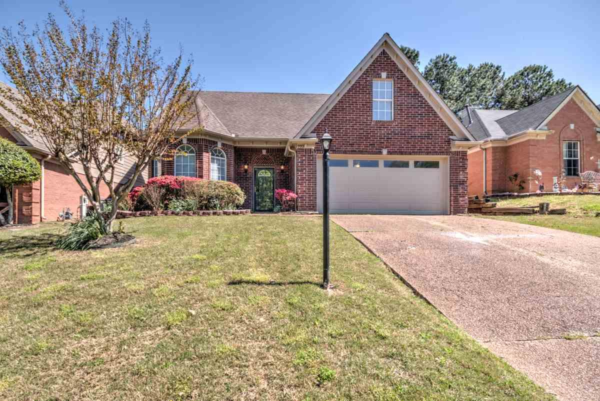 9901 Woodland Bend Dr - Photo 1