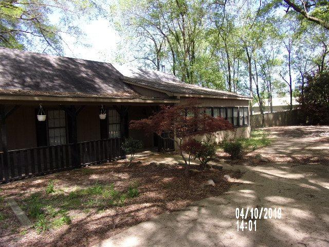 9800 E Holmes Rd, Collierville, TN 38017 (#10052522) :: All Stars Realty