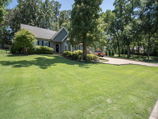 7297 Deep Valley Dr, Germantown, TN 38138 (#10055243) :: The Wallace Group - RE/MAX On Point