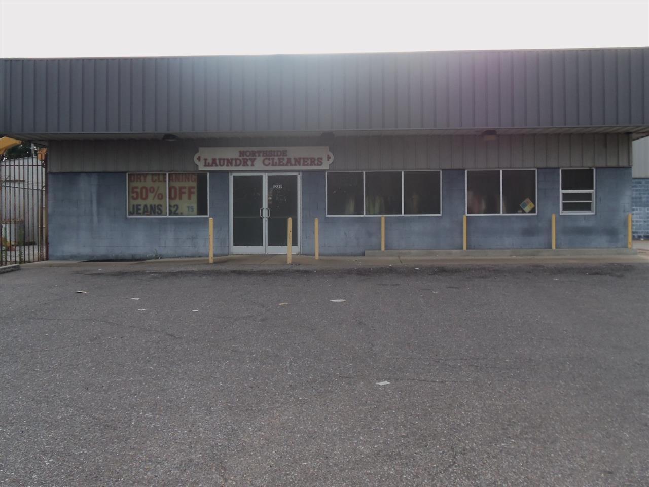 1237 Watkins Ave - Photo 1