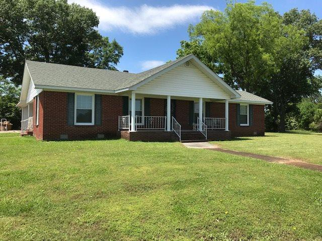 105 Thompson Way, Bolivar, TN 38008 (#10056911) :: Berkshire Hathaway HomeServices Taliesyn Realty