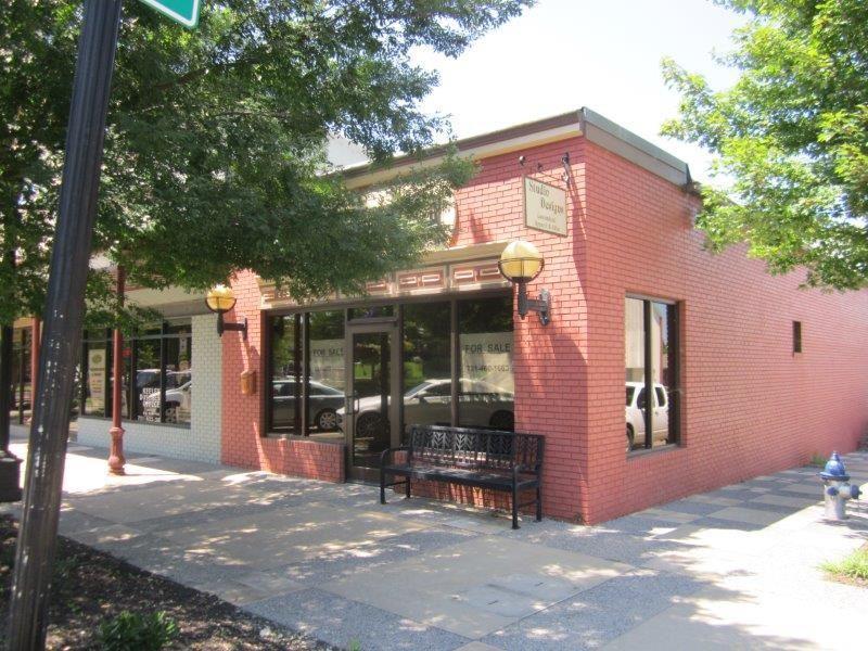 105 Jackson Ave - Photo 1