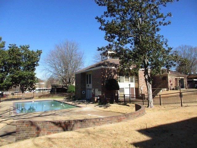 1860 W Poplar Woods Cir #3, Germantown, TN 38138 (#10061986) :: RE/MAX Real Estate Experts