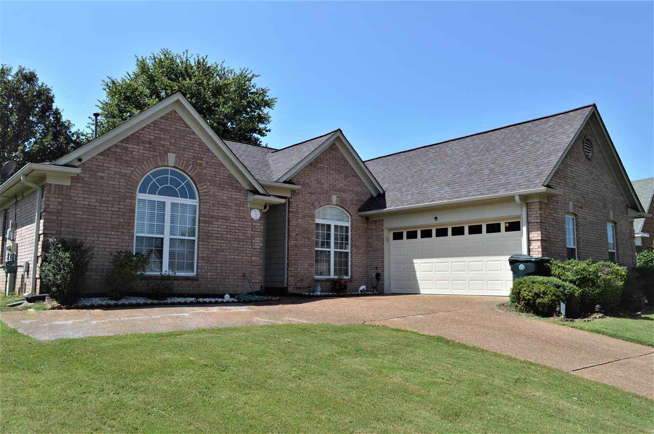 5039 Wolfchase Farms Pky - Photo 1