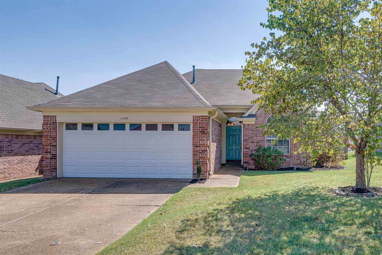 1136 Breezy Valley Dr - Photo 1