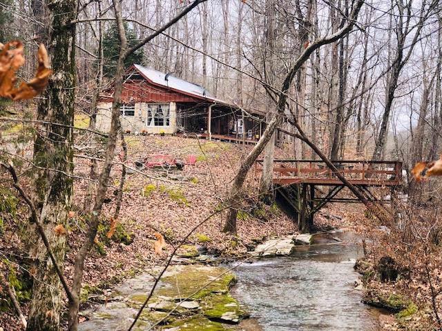 8285 Flat Gap Creek Rd, Olivehill, TN 38475 (#10069302) :: The Melissa Thompson Team