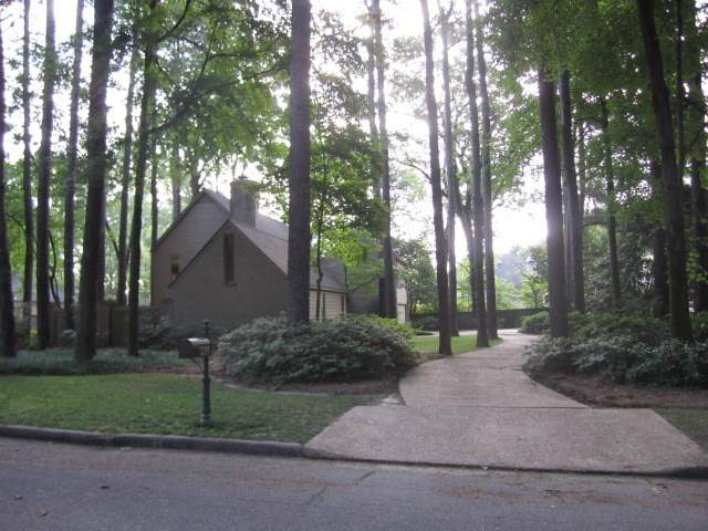 2246 Kimbrough Woods Pl, Germantown, TN 38139 (#10077212) :: Bryan Realty Group