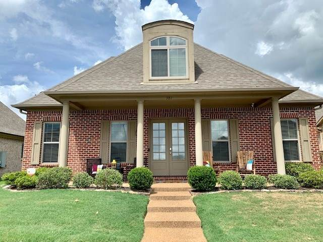 381 Dogwood Valley Dr, Collierville, TN 38017 (#10082340) :: Bryan Realty Group