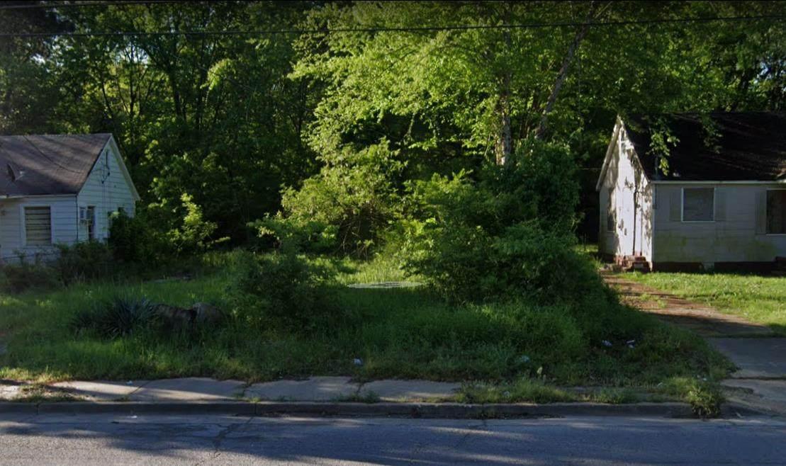 731 Whitney Ave - Photo 1