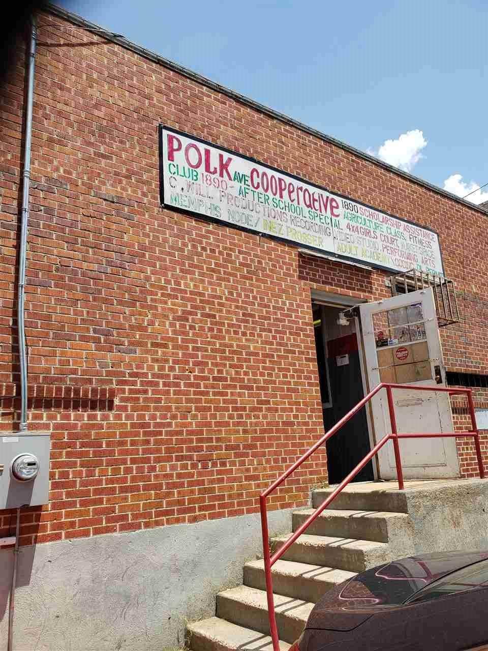812 Polk Ave - Photo 1