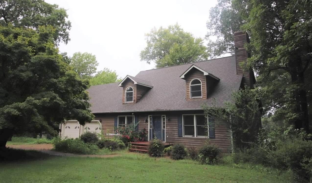 625 Oak Ridge Rd - Photo 1