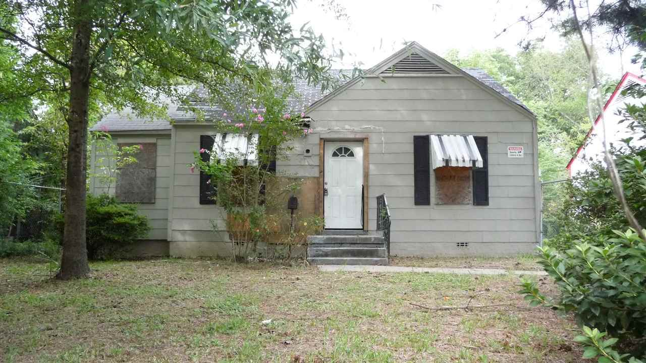 2410 Boyle Ave - Photo 1