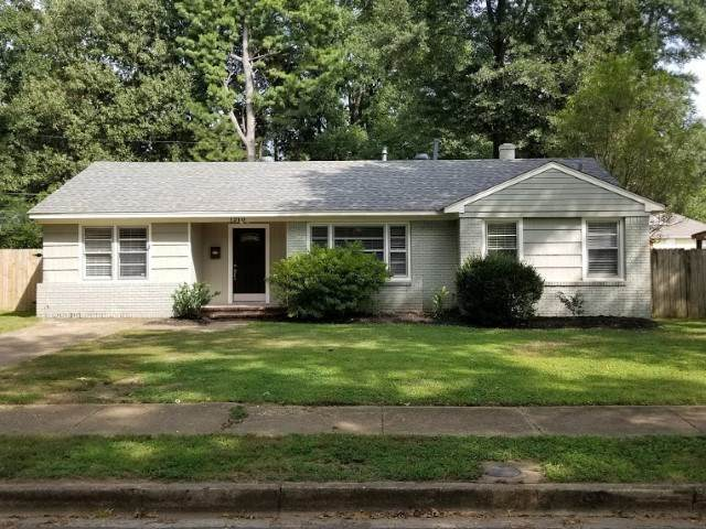 1210 Dearing Rd, Memphis, TN 38117 (#10085251) :: Bryan Realty Group