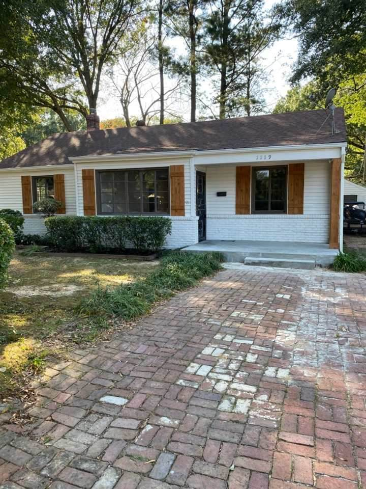 1119 Colonial Rd - Photo 1