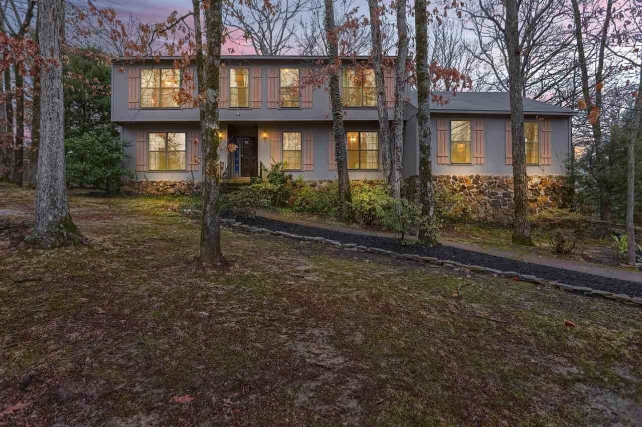 8662 Thorncliff Dr - Photo 1