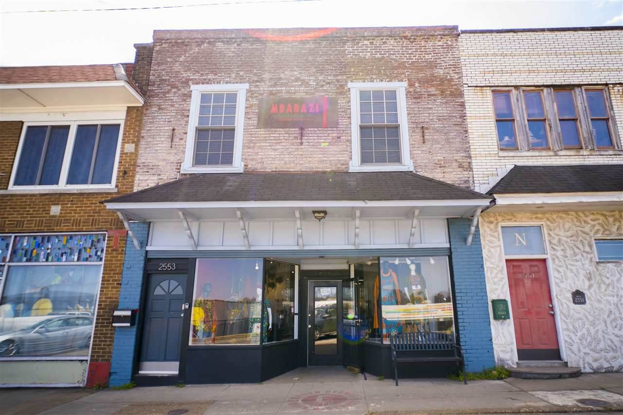 2553 Broad Ave - Photo 1