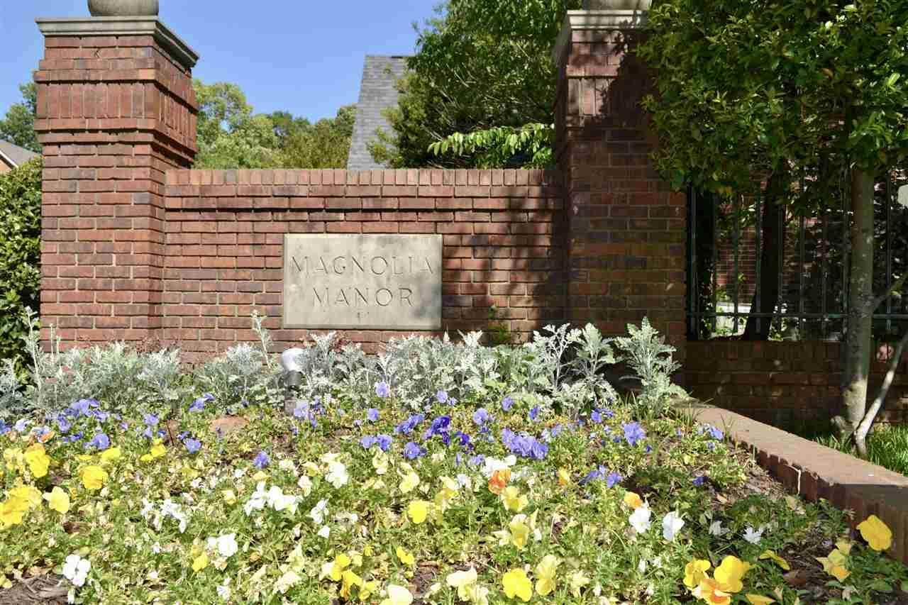 698 Magnolia Manor Cir - Photo 1