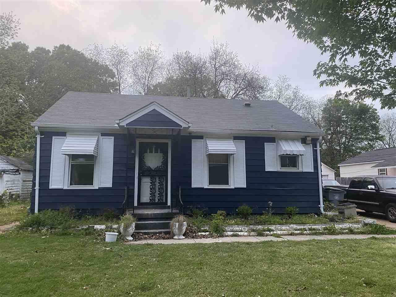 1041 Wrenwood Ave - Photo 1