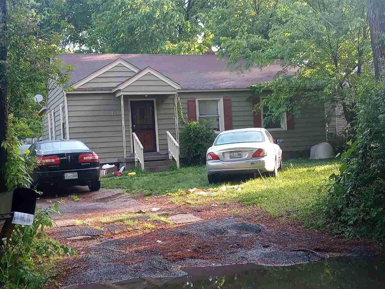 3658 Mallory Ave - Photo 1
