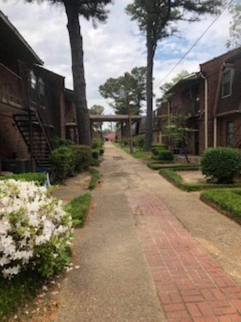 3250 Thirteen Colony Mall 4B, Memphis, TN 38115 (#10099019) :: The Home Gurus, Keller Williams Realty