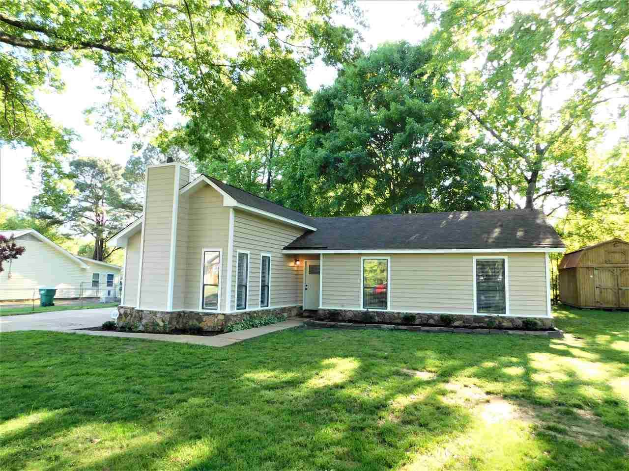 251 Colonial Dr - Photo 1
