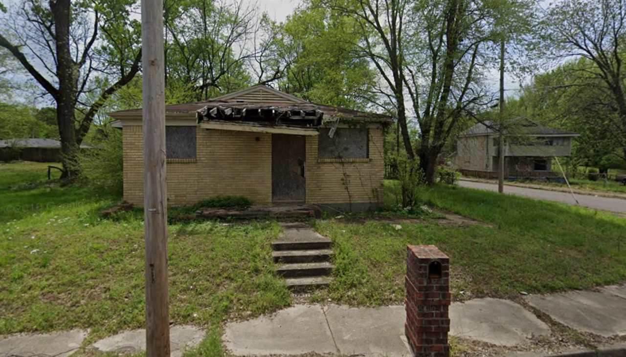 703 Peebles Ave - Photo 1