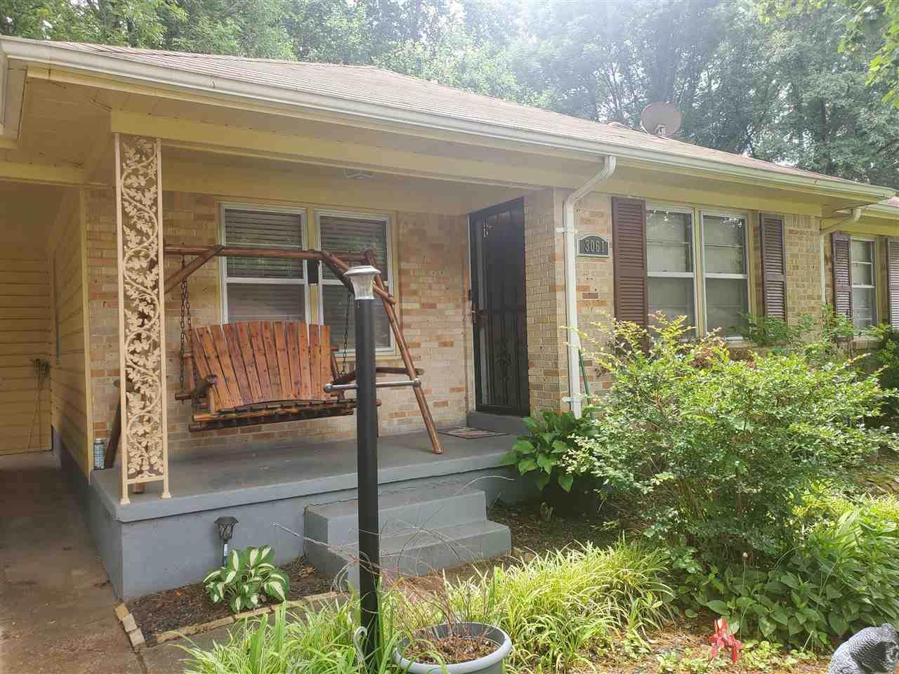 3061 Edgeware Rd - Photo 1