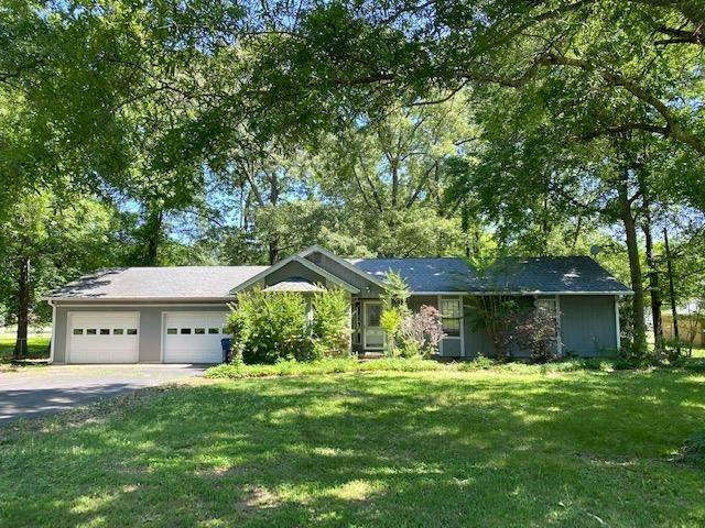 245 Vine St, Savannah, TN 38372 (#10101658) :: The Home Gurus, Keller Williams Realty