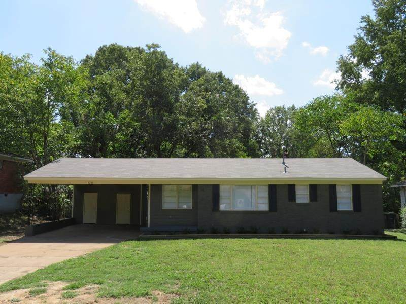 4240 Coventry Dr - Photo 1