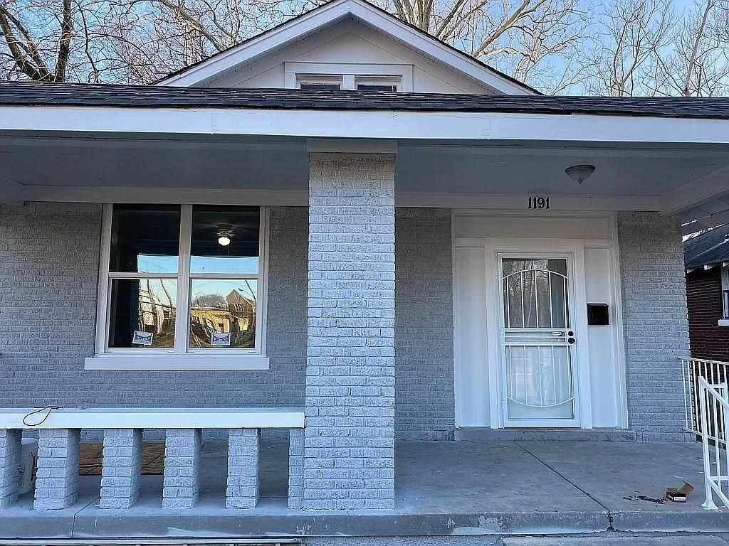 1191 Beechwood Ave - Photo 1
