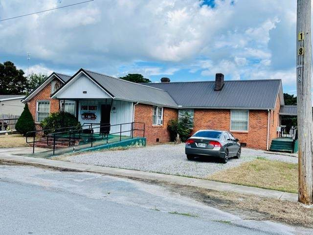 235 Hassell St, Waynesboro, TN 38485 (#10109170) :: Faye Jones | eXp Realty