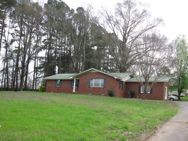 8379 57 Hwy E, Michie, TN 38357 (#10073180) :: RE/MAX Real Estate Experts