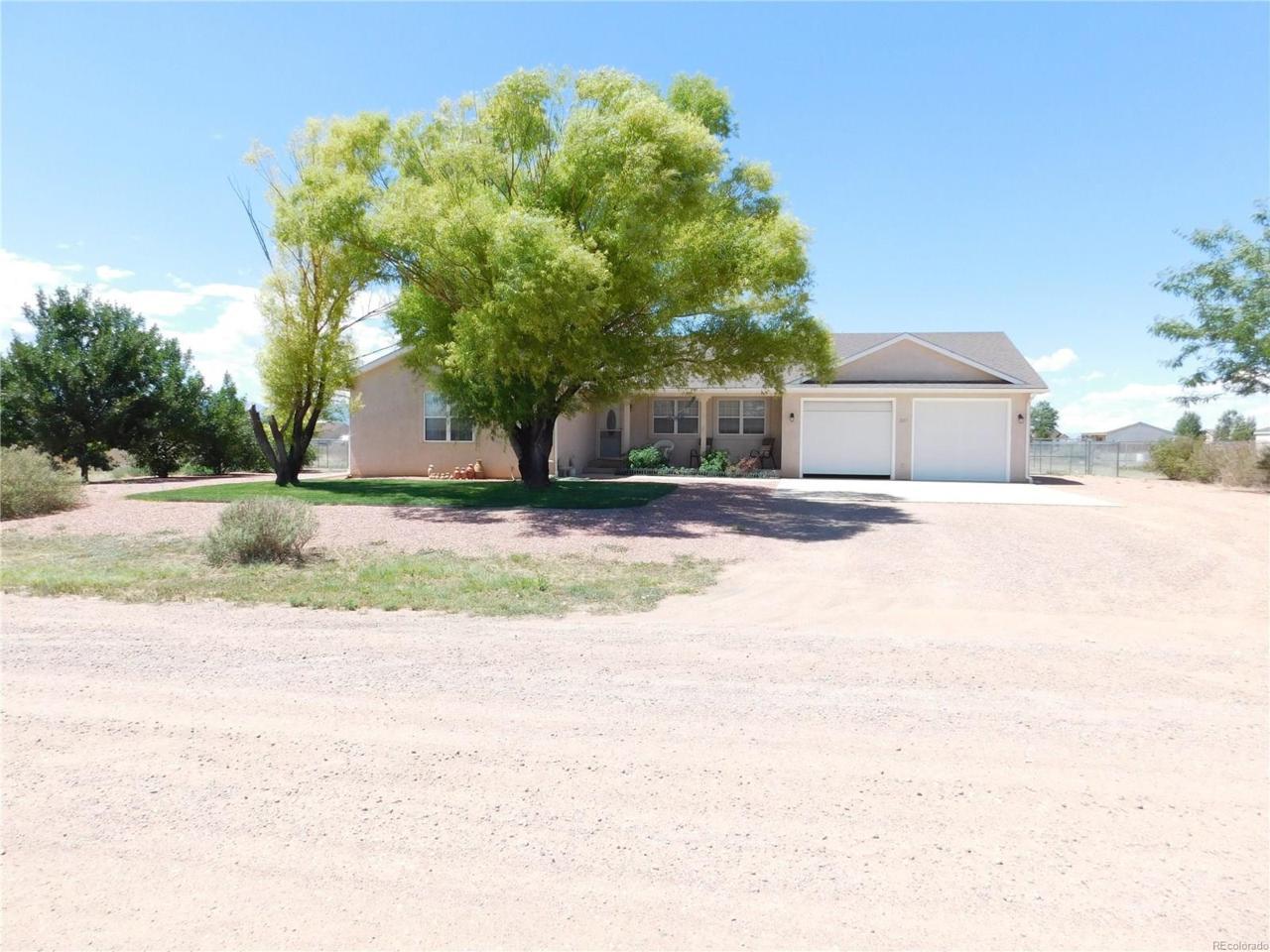 827 S Flamenco Drive, Pueblo, CO 81007 (MLS #2714030) :: 8z Real Estate