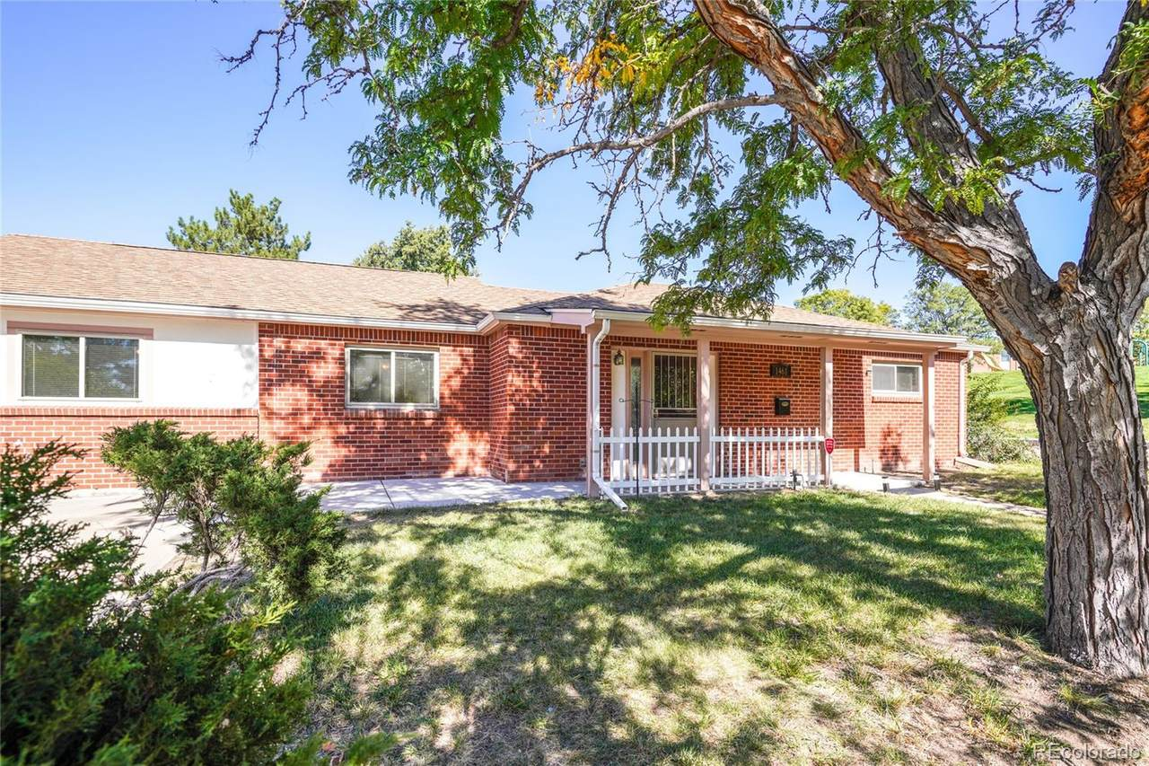 1461 Russell Way - Photo 1