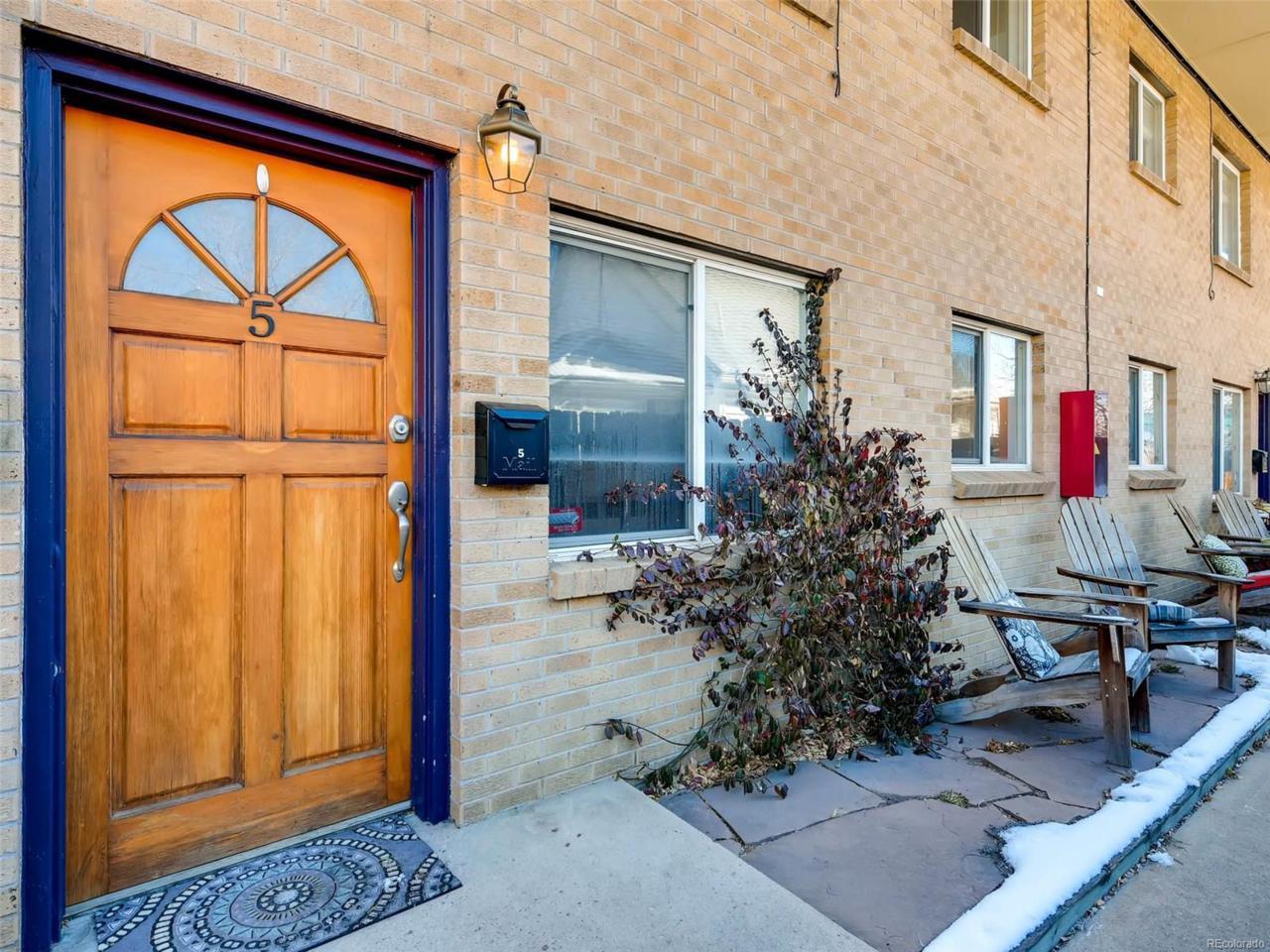 165 W Cedar Avenue #5, Denver, CO 80223 (#5091344) :: The Peak Properties Group