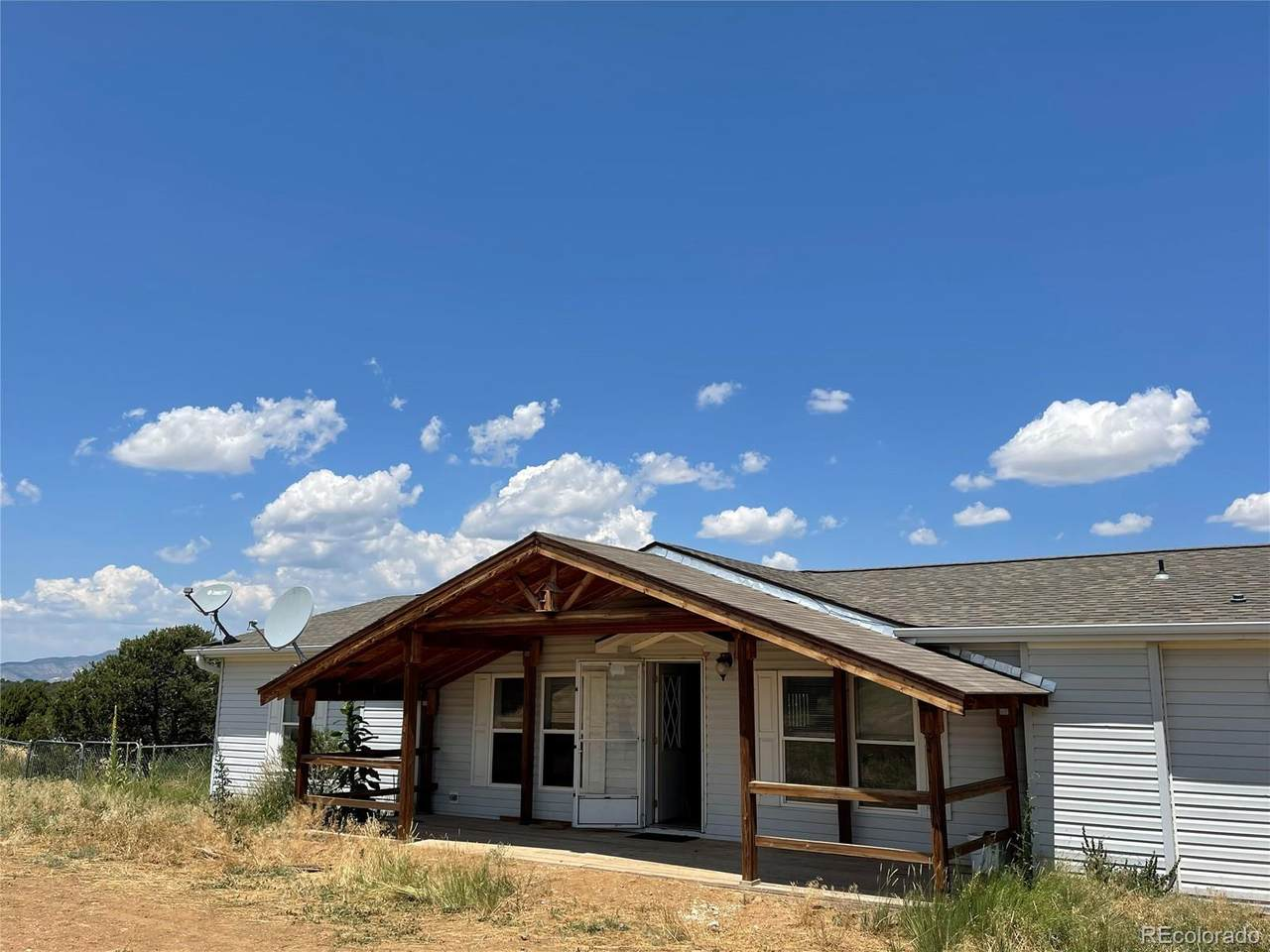 704 County Road 521.3 - Photo 1