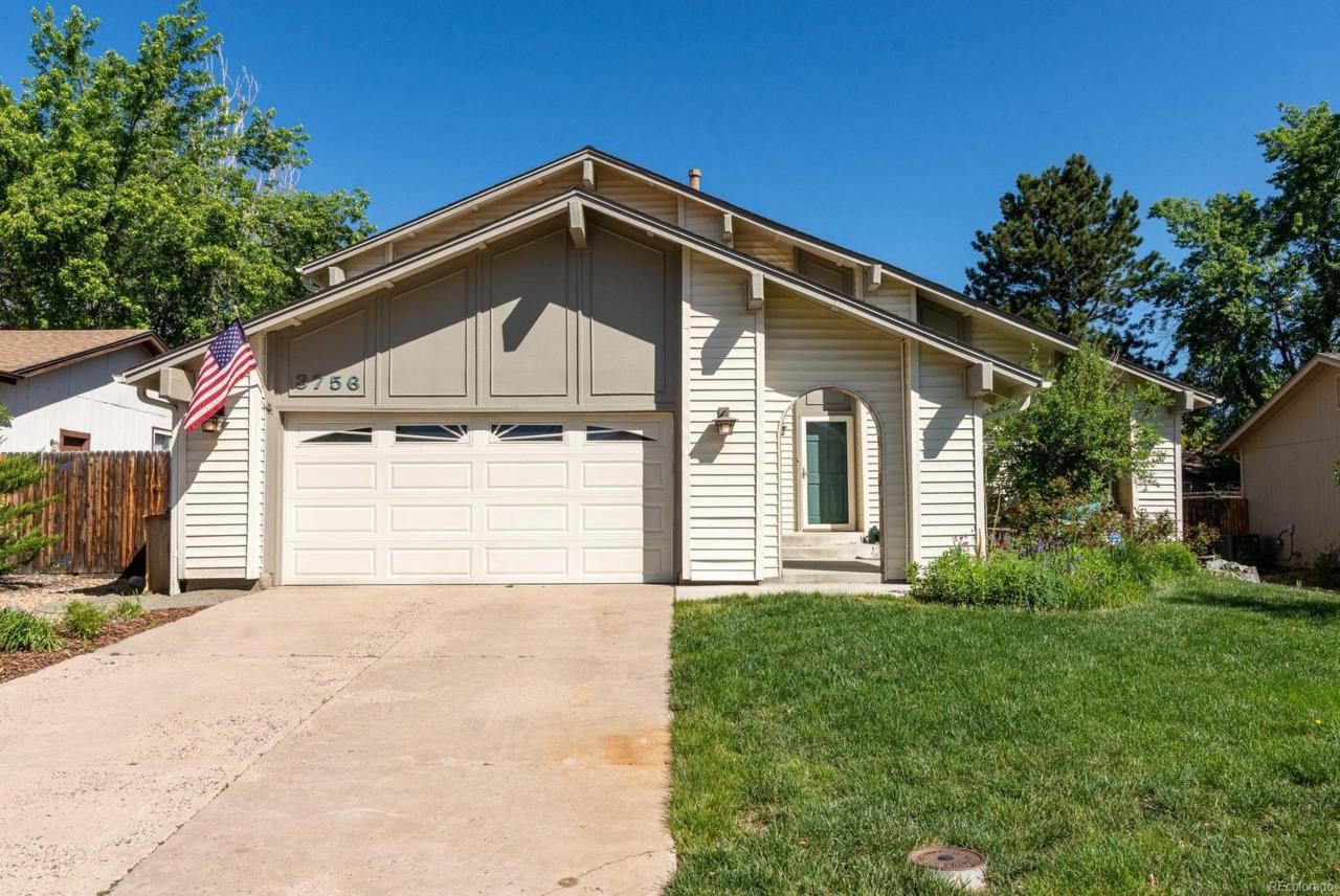 3756 Mission Parkway - Photo 1