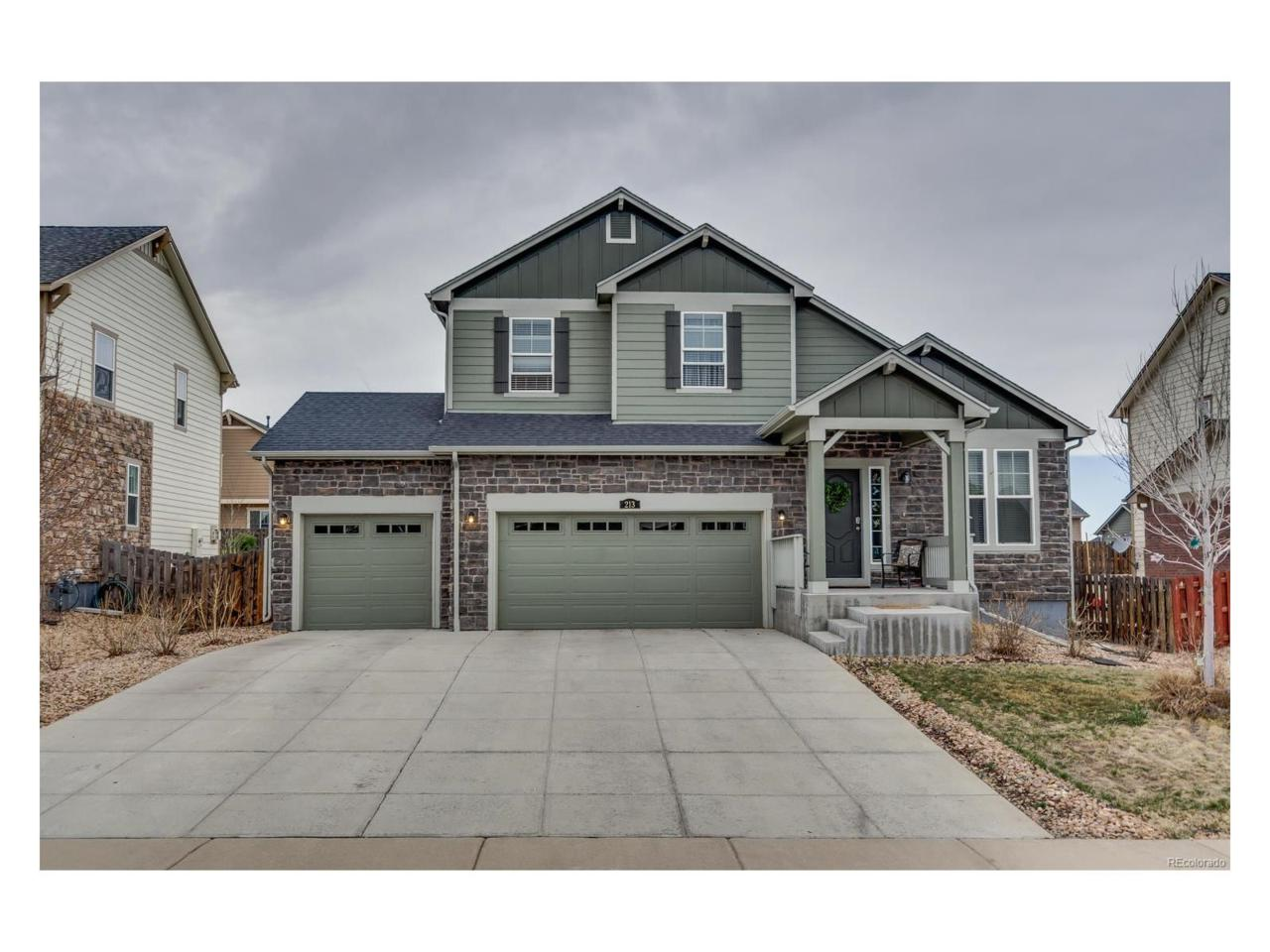 213 N Muscadine Court, Aurora, CO 80018 (#5981607) :: Thrive Real Estate Group