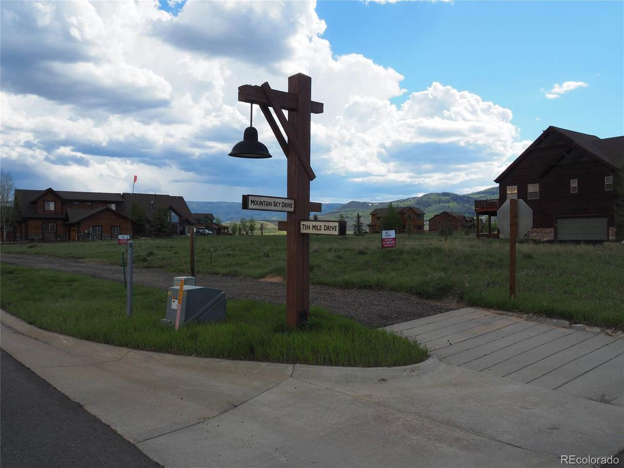 650 Mountain Sky Drive - Photo 1