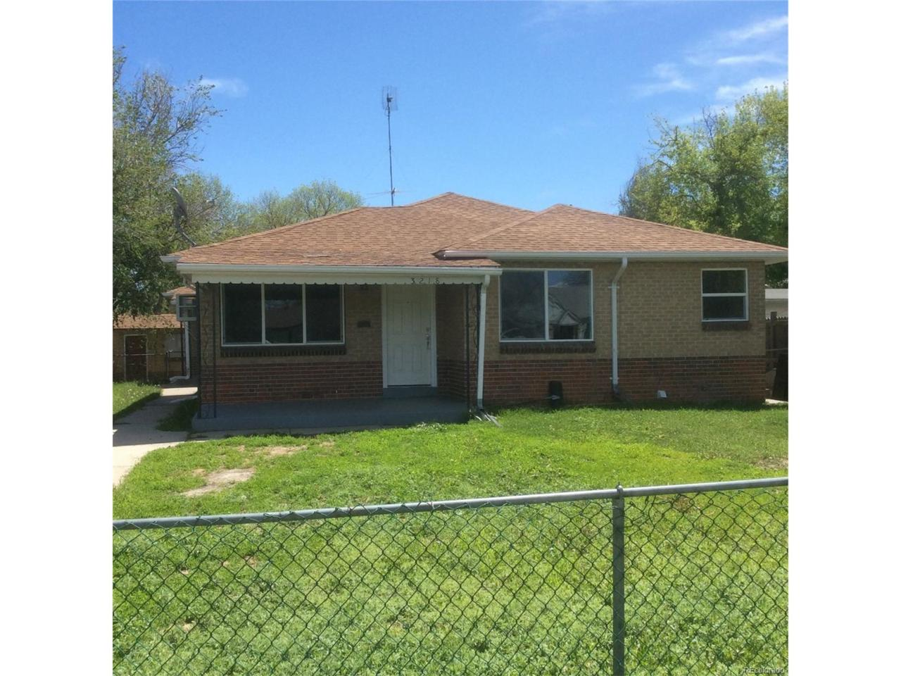 3218 Ash Street, Denver, CO 80207 (MLS #6124297) :: 8z Real Estate