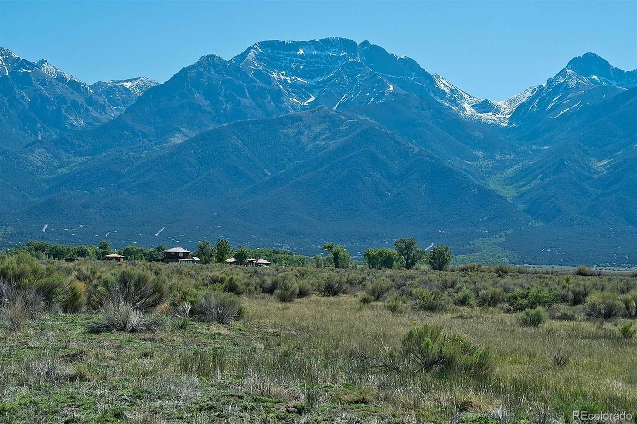 1061 Stallion Trail - Photo 1