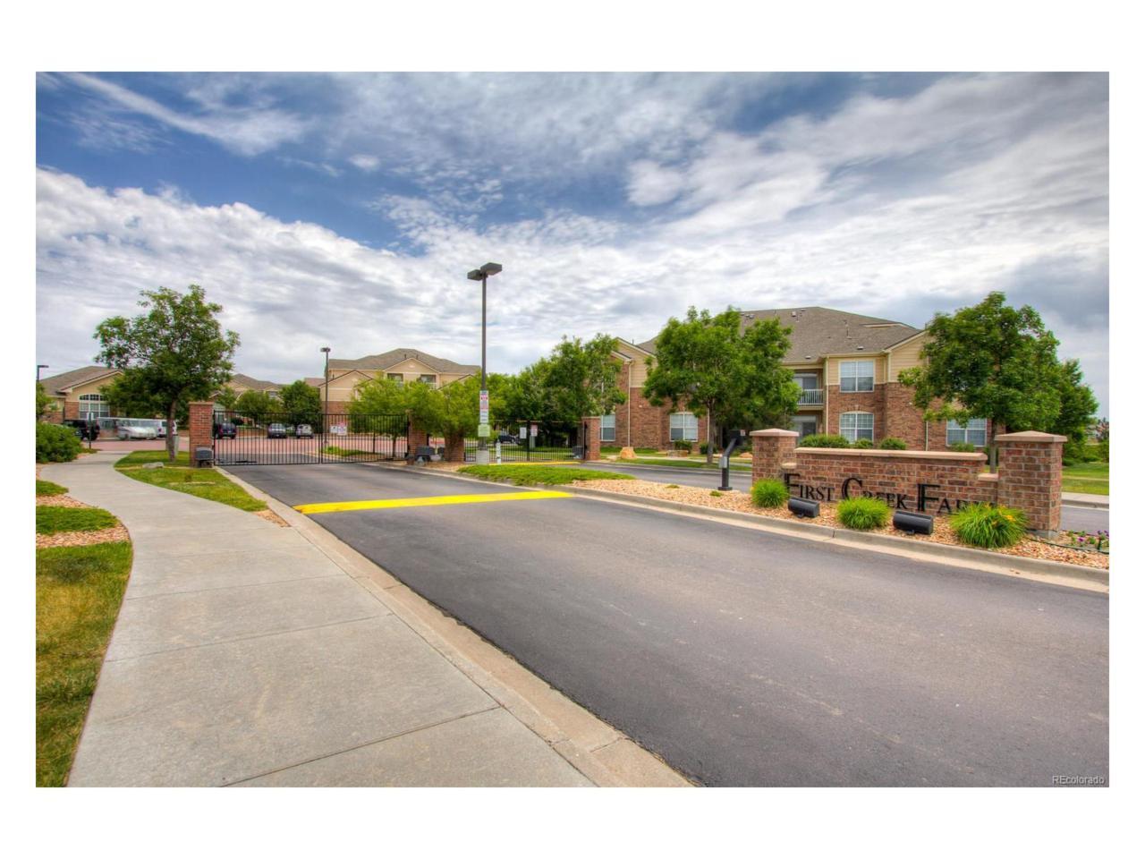 5714 N Gibralter Way 5-302, Aurora, CO 80019 (#6853502) :: Thrive Real Estate Group