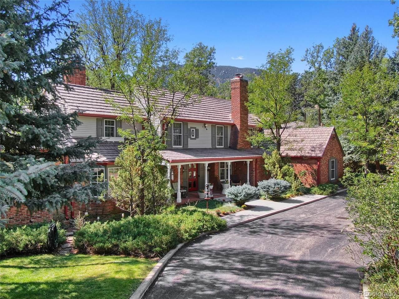 7 Broadmoor Avenue - Photo 1