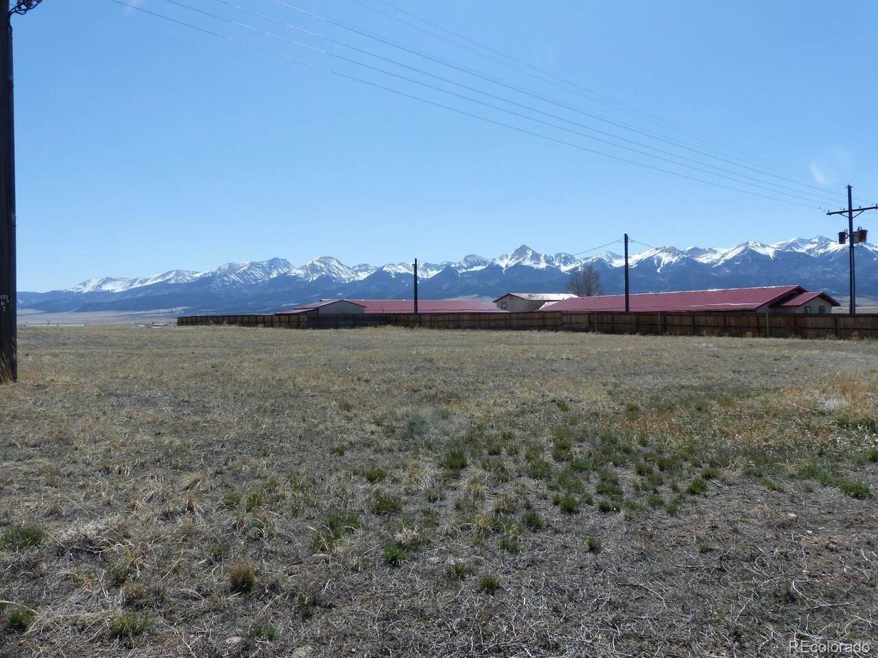 105 Ridgeline Drive - Photo 1