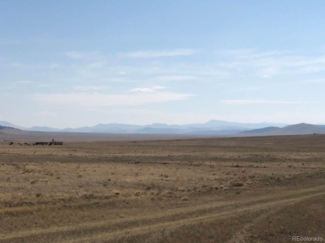 2608 Meadow Drive - Photo 1